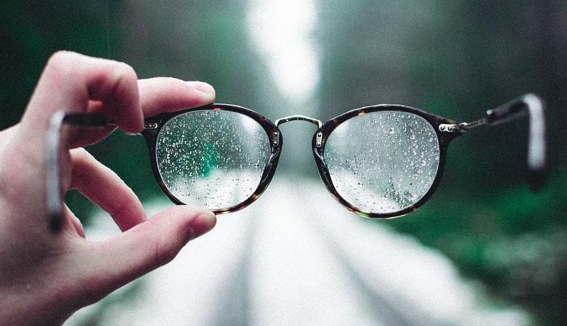 ada70560402a32 5 redenen om contactlenzen te dragen in plaats van een bril – Lenzen ...